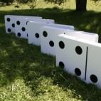 Objet Cinq Dominos géants