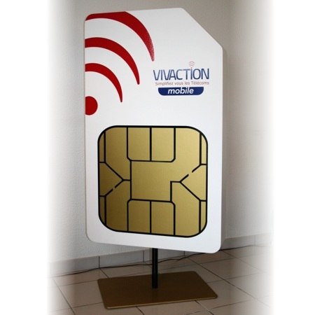 PLV-carte-SIM-geante-03.jpg