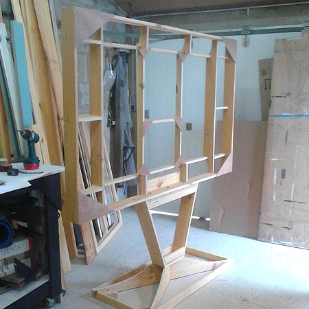 11-mamilie-fabrication-television-geante.jpg